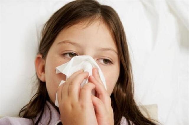 Trẻ nhiễm virus cúm cũng khiến trẻ bị chóng mặt