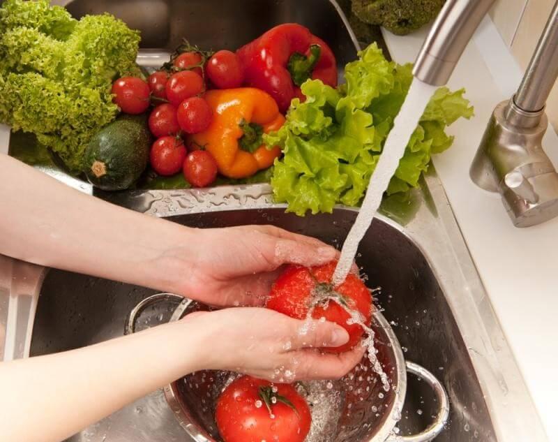Đảm bảo vệ sinh an toàn thực phẩm là cách phòng tránh co thắt đường ruột