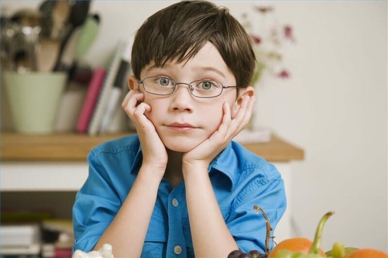 Bệnh loạn thị ở trẻ em là một tật về mắt liên quan đến khúc xạ