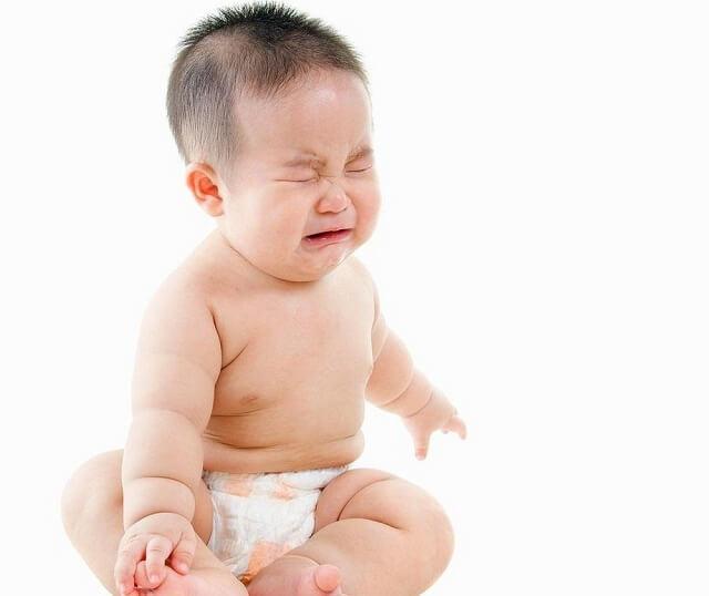 Trẻ quấy khóc, biếng ăn khi bị bệnh nhiễm trùng đường ruột