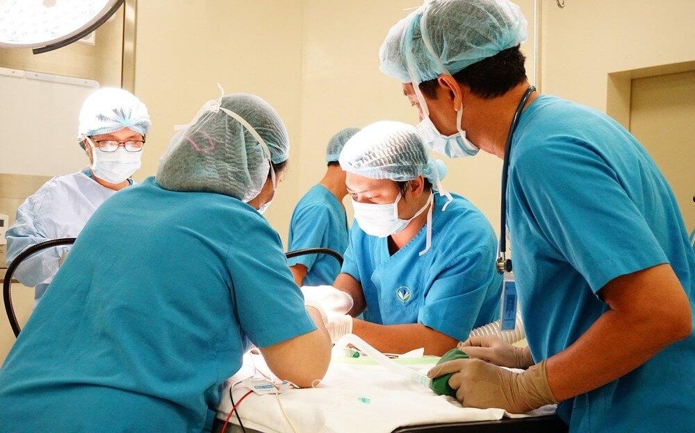 Trường hợp phình đại tràng nặng cần đến sự can thiệp của phẫu thuật