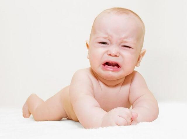 Tắc tuyến lệ thường gặp ở trẻ sơ sinh