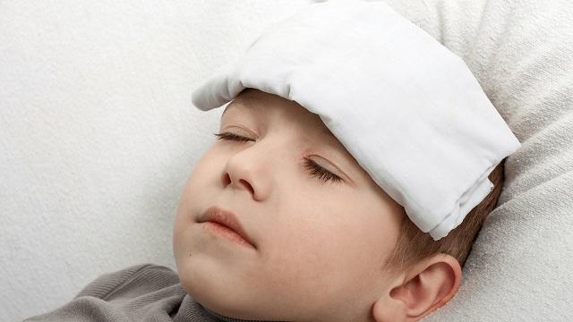 Sử dụng thuốc hạ sốt cho trẻ cần có sự chỉ định của bác sĩ