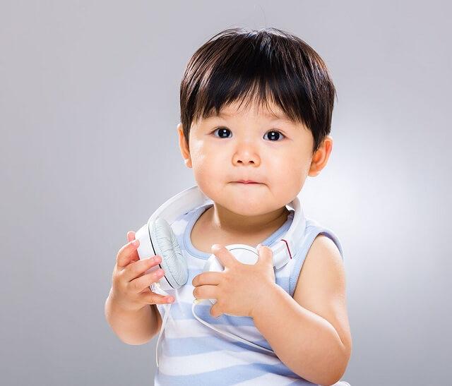 Tùy theo độ tuổi mà biểu hiện bệnh của trẻ sẽ khác nhau