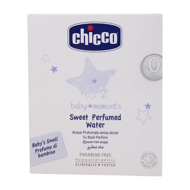 Sử dụng kem dưỡng ẩm để giữ ẩm cho da bé