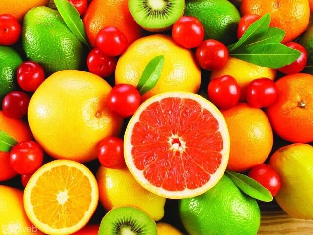 Cho trẻ ăn nhiều hoa quả sẽ giúp cải thiện sức đề kháng