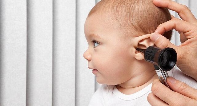 Nhiễm trùng tai giữa sẽ nguy hiểm nếu không điều trị kịp thời.