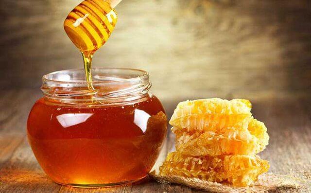 Sử dụng mật ong là cách làm hiệu quả