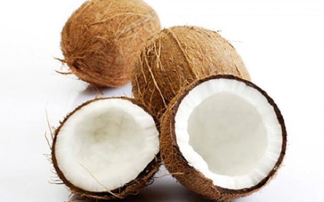 Dừa có tác dụng tốt trong chữa nhiệt miệng
