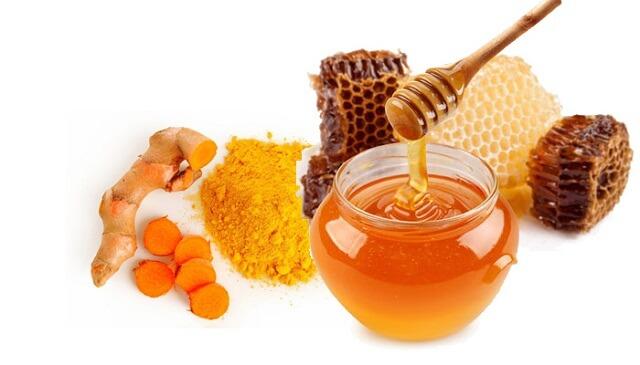 Mật ong và củ nghệ giúp điều trị nhiệt miệng hiệu quả