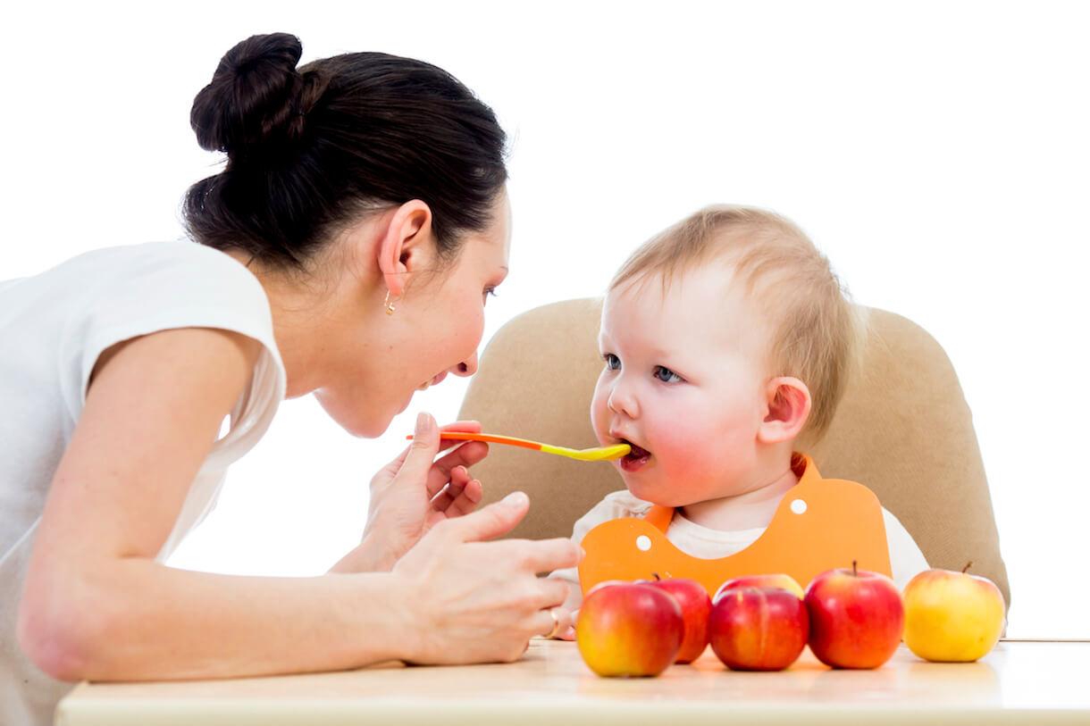 Cho bé ăn cháo hay súp khi trẻ bị tiêu chảy