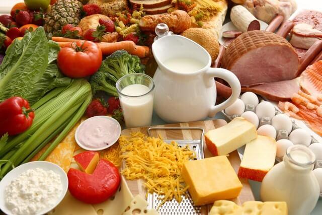 Chú ý điều chỉnh chế độ dinh dưỡng hàng ngày cho bé